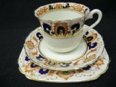 Tuscan china late Edwardian Imari trio